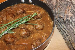 Ragoût de boulettes et pattes de cochon - La cabane à Boubou